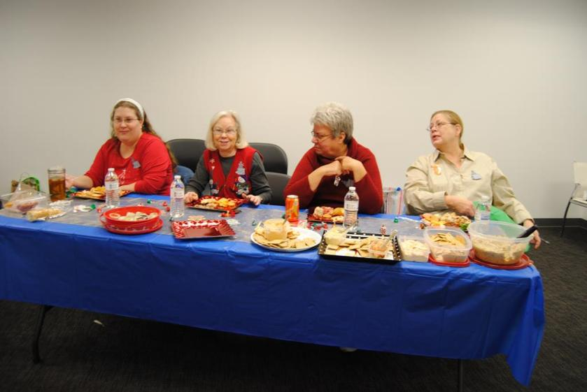 The KS My Stitch 2015 Christmas party started off with lots of good things to eat.