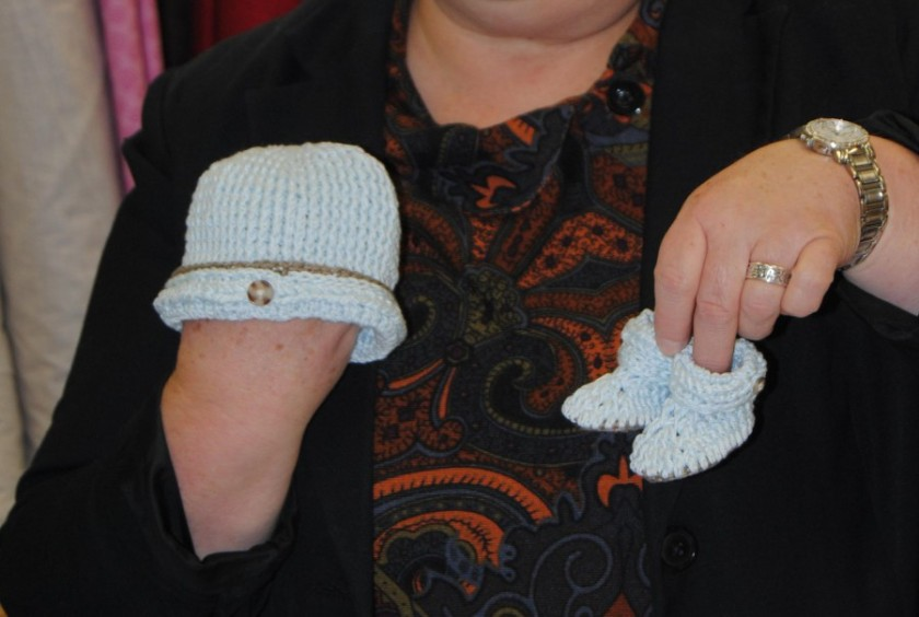 Tamara also made a newborn set of hat and booties.